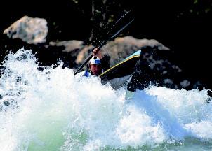 kayak de descente en eau vive