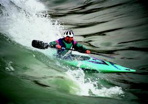 kayak de slalom en surf